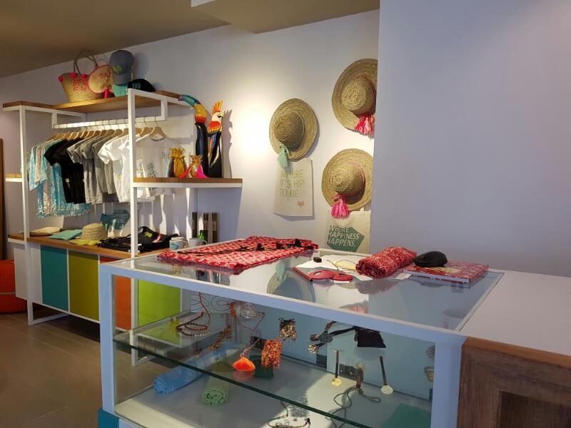 Gift Shop3
