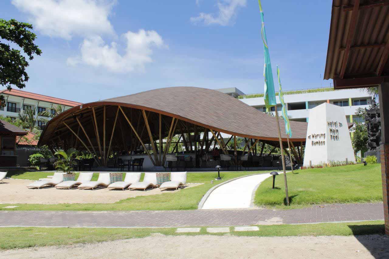 Warung bamboo Front